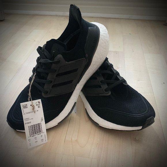 Adidas Ultraboost 21 Running Shoes. NWT